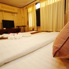 Отель Bangphlat Resort 3* Номер Делюкс фото 3