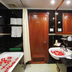 Royal Hotel Saigon 4* Номер Делюкс с различными типами кроватей