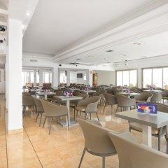 Отель Biniamar гостиничный бар