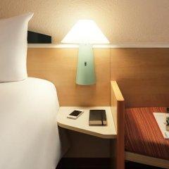 Отель ibis Nuernberg City am Plaerrer сейф в номере