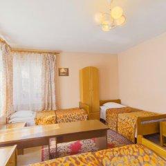 Гостиница Золотая Бухта 3* Номер с общей ванной комнатой с различными типами кроватей (общая ванная комната) фото 2