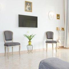 Апартаменты Cariatides Studio Promenade Holiday комната для гостей фото 3