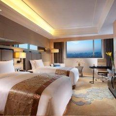 Отель Crowne Plaza Xian 4* Улучшенный номер с различными типами кроватей