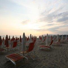 Bel Conti Hotel пляж