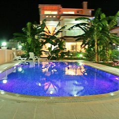 Отель Villa Yenisey бассейн