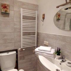 Отель Philharmonic Apartments Литва, Вильнюс - отзывы, цены и фото номеров - забронировать отель Philharmonic Apartments онлайн ванная фото 2