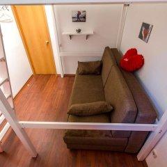 Light Dream Hostel Стандартный семейный номер с двуспальной кроватью фото 3