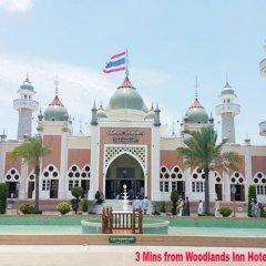 Отель Woodlands Inn Бангкок бассейн