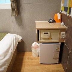 Отель D.H Sinchon Guesthouse 2* Стандартный номер с различными типами кроватей фото 7