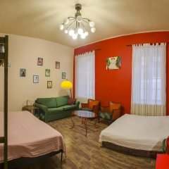 Santico Art Hostel And Guesthouse Стандартный семейный номер фото 5