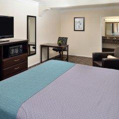 Отель Rodeway Inn & Suites LAX 2* Стандартный номер с различными типами кроватей