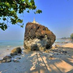 Отель Blue Oceanic Bay пляж фото 2