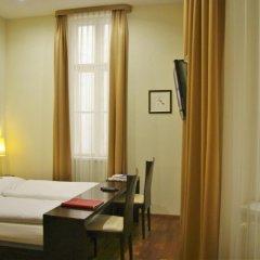 Отель Pension a und a комната для гостей фото 4