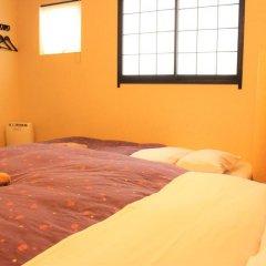 Отель K's House Tokyo Oasis Кровать в общем номере