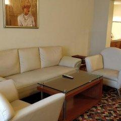 Отель The Suryaa New Delhi 5* Люкс повышенной комфортности с различными типами кроватей фото 6