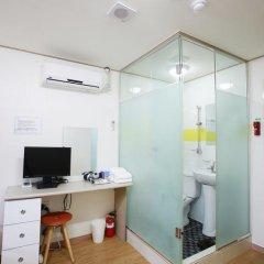Отель K-Pop Residence Myeong Dong 2* Стандартный номер с различными типами кроватей фото 7