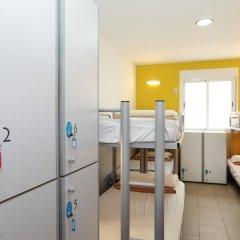 Center Valencia Youth Hostel Кровать в общем номере с двухъярусной кроватью фото 11