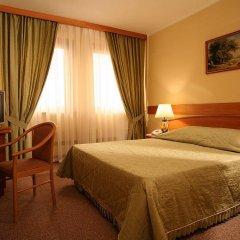 Гостиница Молодежный 3* Стандартный номер с двуспальной кроватью