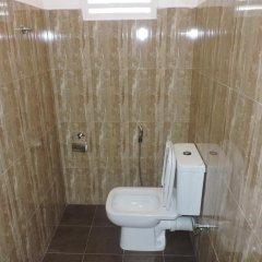 Отель Rajarata Lodge Шри-Ланка, Анурадхапура - отзывы, цены и фото номеров - забронировать отель Rajarata Lodge онлайн ванная