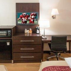 Отель Red Roof Inn PLUS+ Columbus-Ohio State University OSU 2* Улучшенный номер с различными типами кроватей