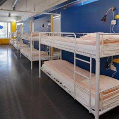 Отель CheapSleep Helsinki Кровать в общем номере с двухъярусной кроватью фото 15