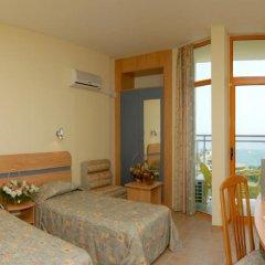 Hotel PrimaSol Sunrise - Все включено 4* Стандартный семейный номер с двуспальной кроватью фото 3