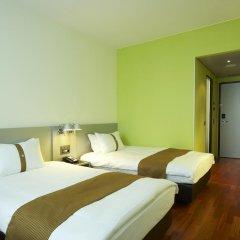 Отель Holiday Inn Bern Westside 4* Стандартный номер с различными типами кроватей