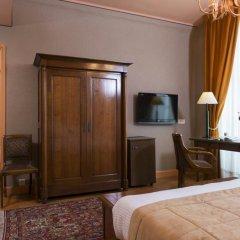 Отель Hôtel du Palais Bourbon Франция, Париж - отзывы, цены и фото номеров - забронировать отель Hôtel du Palais Bourbon онлайн удобства в номере фото 2
