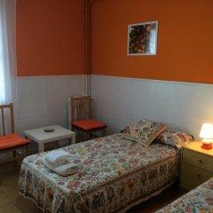 Отель Hostal Valls Барселона комната для гостей фото 5