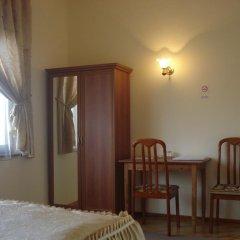 Отель Khachik's B&B удобства в номере