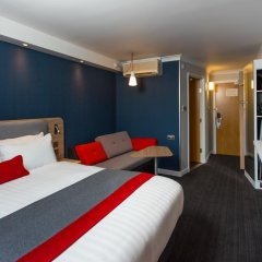 Отель Holiday Inn Express Glasgow Airport 3* Стандартный номер фото 5