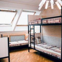 Hostel Kamin Стандартный семейный номер разные типы кроватей фото 2