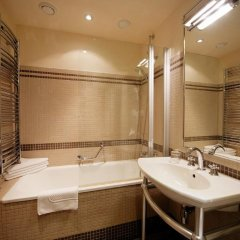 Iron Gate Hotel and Suites 5* Улучшенный номер с различными типами кроватей фото 8