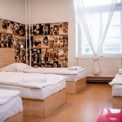 Hostel Florenc Кровать в женском общем номере с двухъярусной кроватью фото 4