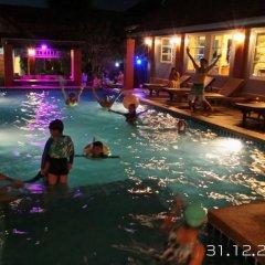 Отель Benwadee Resort бассейн фото 3