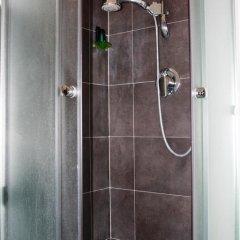 Отель Salotto Piramide B&B Стандартный номер с двуспальной кроватью (общая ванная комната) фото 15