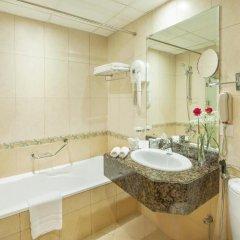 Отель Golden Tulip Sharjah Стандартный номер с различными типами кроватей фото 5