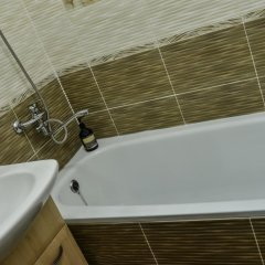 Гостиница Richhouse on Ermekova 52 Казахстан, Караганда - отзывы, цены и фото номеров - забронировать гостиницу Richhouse on Ermekova 52 онлайн ванная