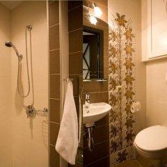 Мини-Отель Амстердам Улучшенный номер двуспальная кровать фото 6