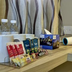 Отель Ibis Budget Singapore Crystal 2* Улучшенный семейный номер с различными типами кроватей фото 6