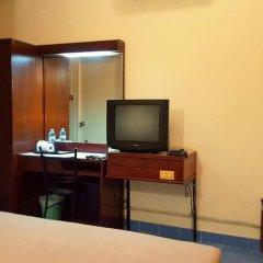 Отель Pacific Inn Пхукет удобства в номере