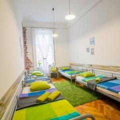 Friends Hostel and Apartments Budapest Стандартный номер фото 8