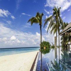 Отель Kihaa Maldives Island Resort 5* Люкс разные типы кроватей фото 15