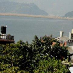 Отель Yokohama Непал, Покхара - отзывы, цены и фото номеров - забронировать отель Yokohama онлайн приотельная территория фото 2