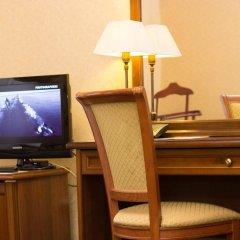 Гостиница Айвазовский Улучшенный номер с двуспальной кроватью фото 3