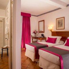 Отель Albergo Del Sole Al Biscione 3* Номер категории Эконом с различными типами кроватей фото 8
