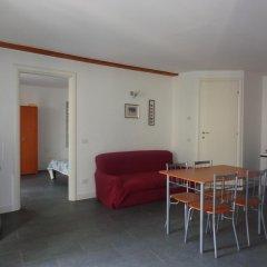 Отель Bilocale Zenobia Италия, Вербания - отзывы, цены и фото номеров - забронировать отель Bilocale Zenobia онлайн комната для гостей фото 4