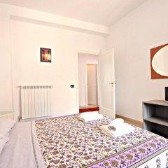 Отель Stairs of Trastevere 3* Стандартный номер с двуспальной кроватью (общая ванная комната)