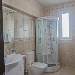 Отель Halle Villa Кипр, Протарас - отзывы, цены и фото номеров - забронировать отель Halle Villa онлайн ванная