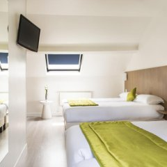Отель Bel Oranger Gare De Lyon 3* Стандартный семейный номер с двуспальной кроватью фото 2